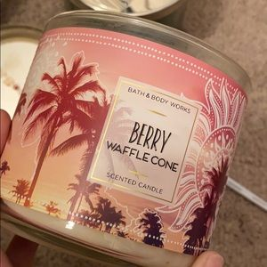 Bath and Body Works Berry Waffle Cone Candle